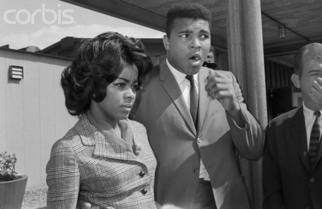 Muhammad Ali marries Sonji Roi