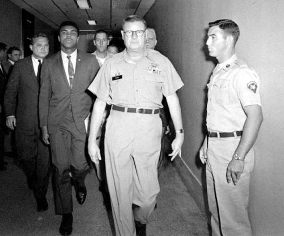 Supreme Court reverses conviction of Muhammad Ali by unanimous decision