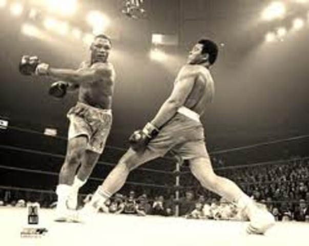 Muhammed Ali's First Defeat As a Pro