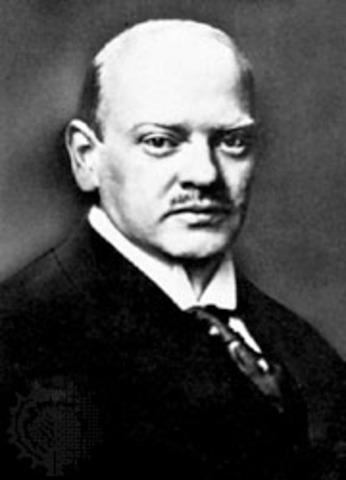 Gustav Stresemann becomes Chancellor