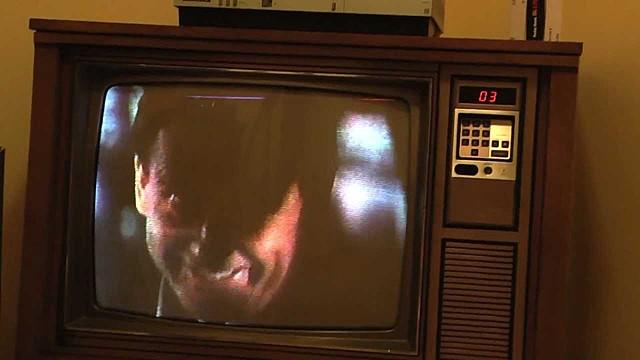 SE INVENTA LA TELEVISIÓN POR CABLE