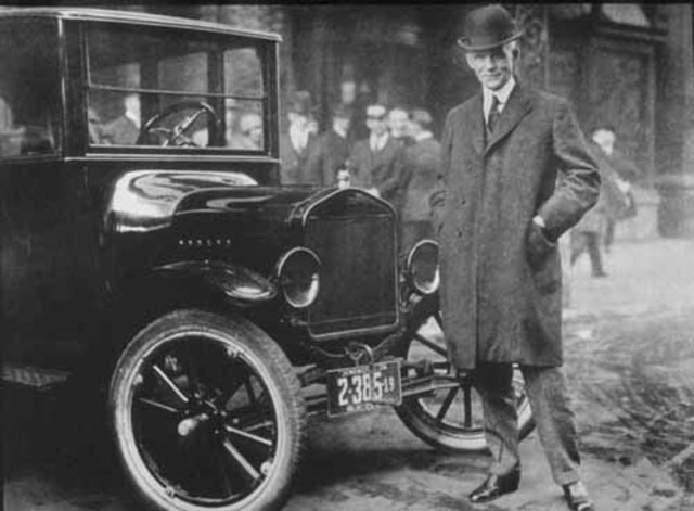 Ford Motor Company is formed.