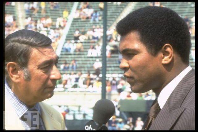Muhammad Ali announces retirement