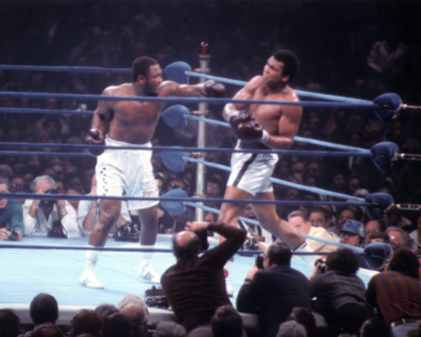 Muhammad Ali defeats Joe Frazier at theire second match
