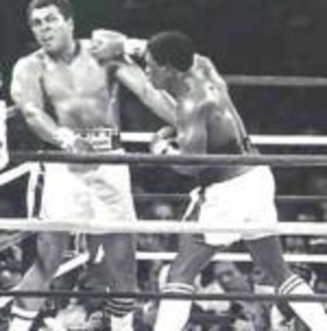 Muhammad Ali comes out of retiement