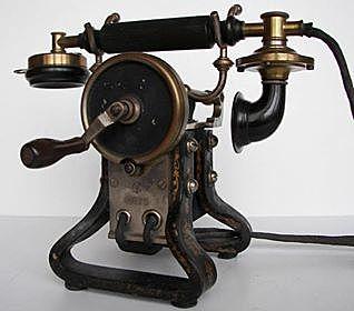 Edison tökéletesíti a telefont