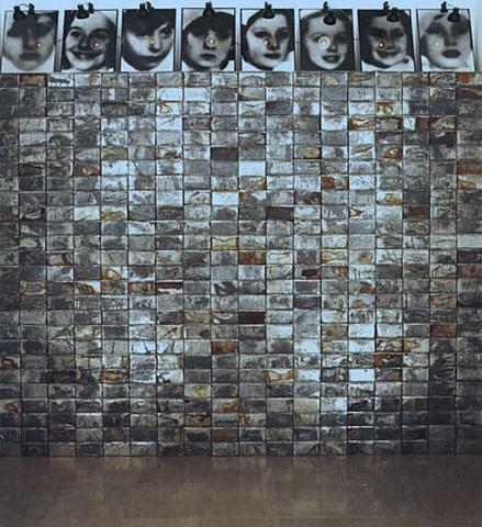 """Prof - L'espace comme matériau et support possible / Christian Boltanski - """"Réserves"""" (installation in situ conçue pour l'ouverture du Carré d'Art, le Musée d'art contemporain de Nîmes, en 1991)"""