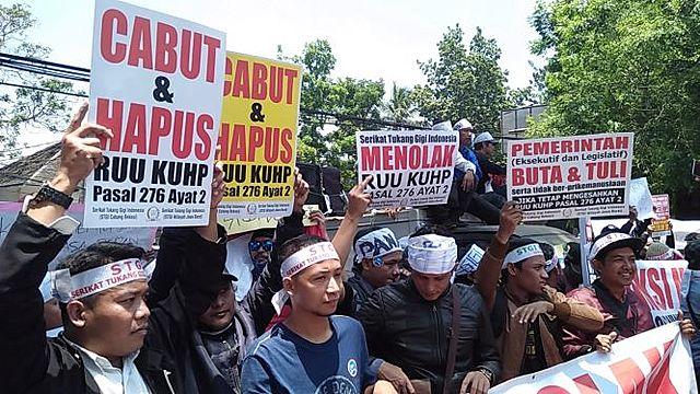 Demo Penolakan RKUHP, RUU KPK