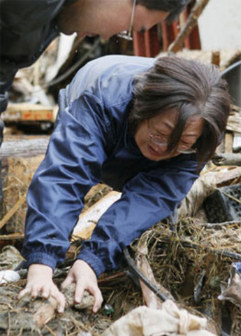 Japan struggles with power crunch after quake
