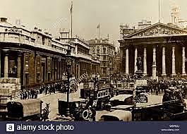 The Royal Exchange opens in London, England