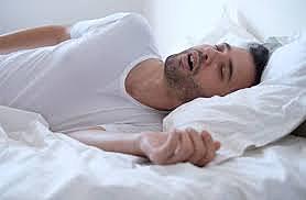 Yo me dormí muy rápido en mi cama blanca, y en mi cuarto azul