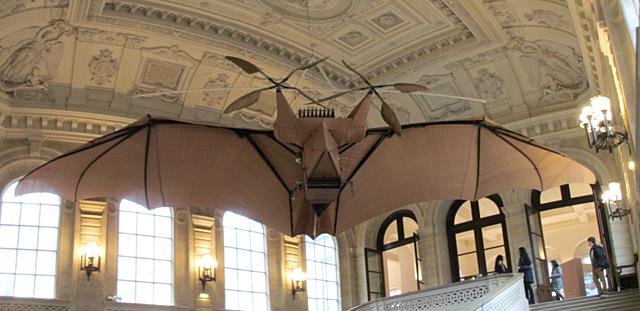 El enorme murciélago de Clément Ader - Steampunk Café Bar