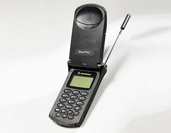 HISTORIA DEL CELULAR Motorola Startac