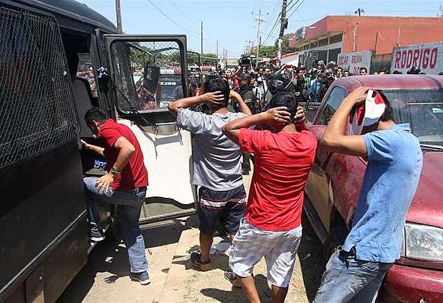 Detienen a 106 militantes de Bolivia Dice No