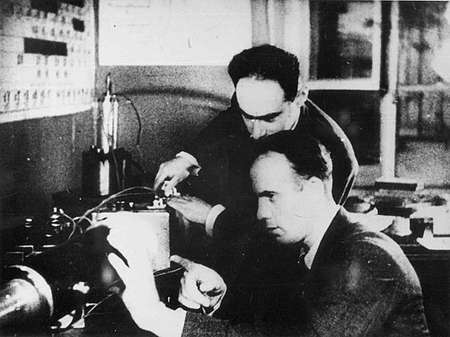 Открытие спонтанного деления ядра урана