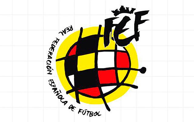 Reconocimiento del fútbol femenino por la REFF