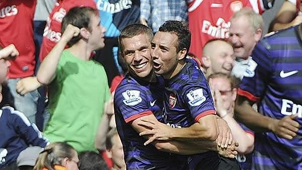 Primer gol con el Arsenal