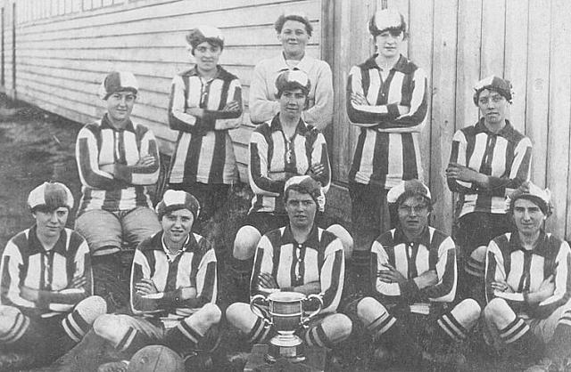 La Munitionette's Cup