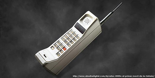 Primer Teléfono Móvil (Motorola Dynatac 8000x)