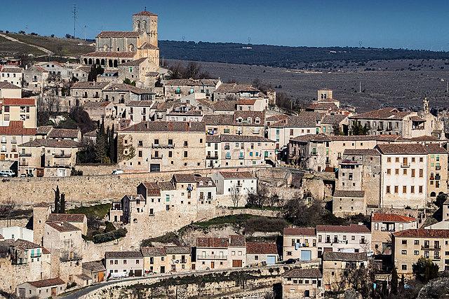 Aragón y Castilla se reparten Navarra.Fuero de Sepúlveda.
