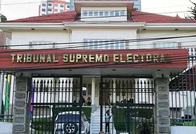 Renuncia la directora nacional financiera del Tribunal Electoral