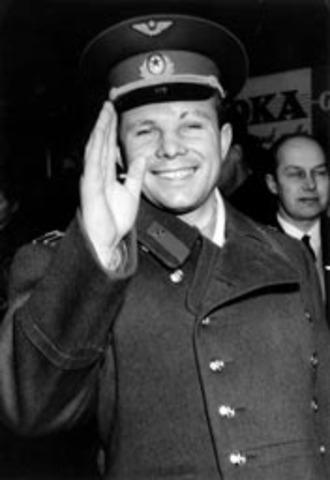 Iuri Aleksèievitx Gagarin, la primera persona a l'espai