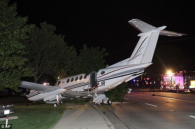 Plane crash and temporary leave from Apple