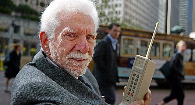 La Primer llamada en teléfono ceular