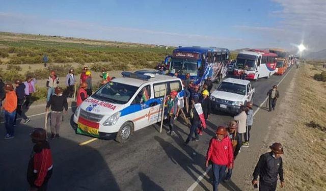 Masistas emboscan a caravana potosina con armas de fuego