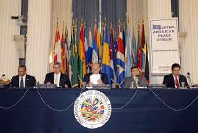 Crisis Políticas y Misiones Especiales (2005)