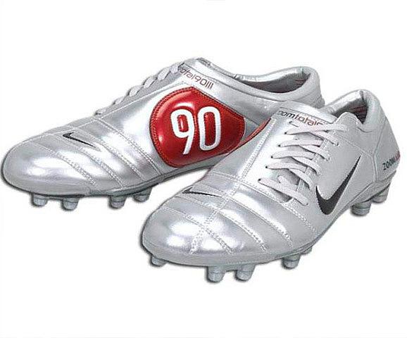 Nike Classic Total 90 III