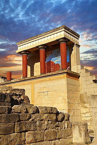 Creación de los palacios de Cnosos y Faistos