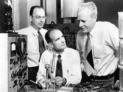 John Bardeen,William B.Shockey y Walter H.Brattain
