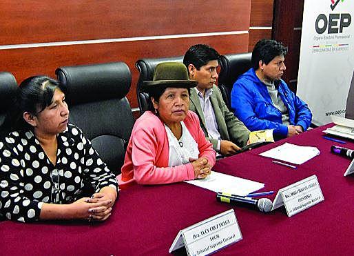 Expresidenta del TSE dice que fue víctima de los cuatro vocales