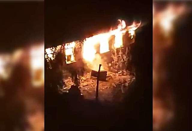 Masistas queman estación policial en Cochabamba