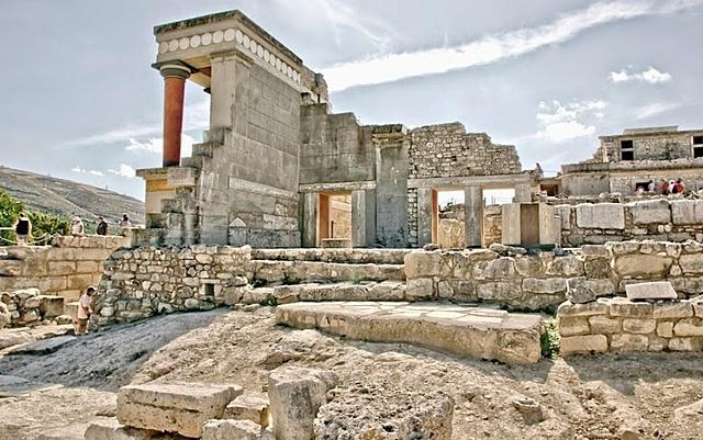 Destrucción de los palacios minóicos