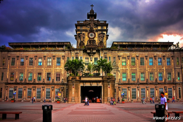 "Foundation of the ""Universidad de Santo Tomas"" & Christanization"