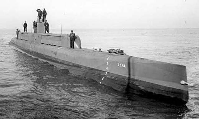 The Germans limit there amount of submarines.