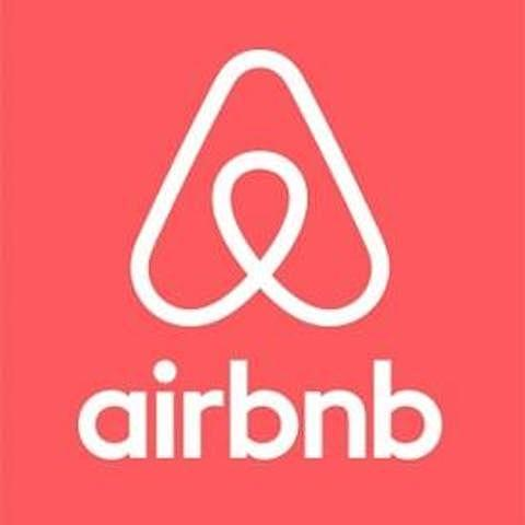 Nace Airbnb