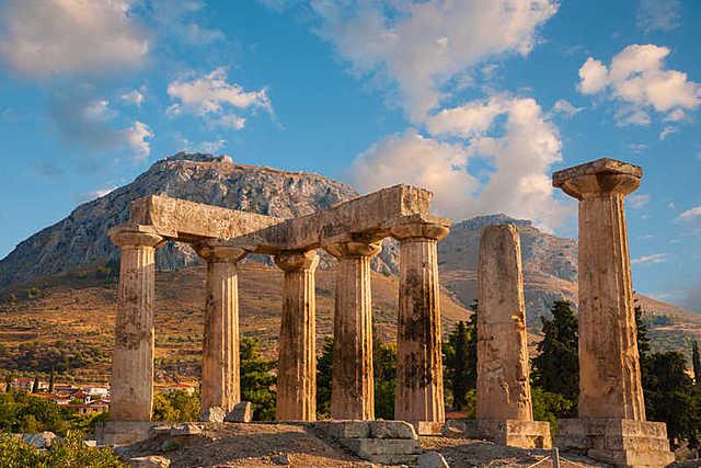 Fundación de Corinto