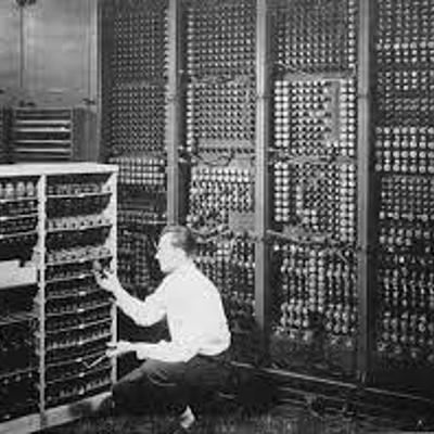 Evolución de los Computadores - Daniel Bello timeline