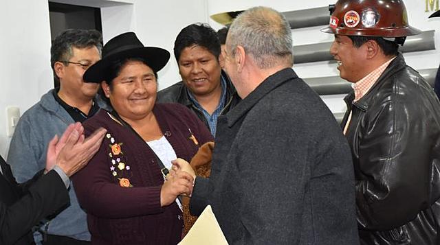 Gobierno, COB y organizaciones sociales firman acuerdo de pacificación