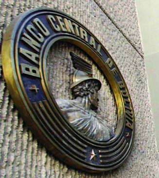 Denuncian que el BCB desembolsó 520 MM a entidades públicas, antes de la renuncia de Evo