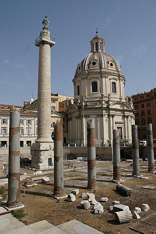 """Prof - La séquence / Apollodore de Damas - """"Colonne Trajane"""" (marbre Luna de Carrare, diamètre variant de 3,16 à 3,67 m x 44,1 m de hauteur, ordre dorique)"""