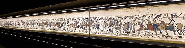 """Prof - L'enchaînement / Anonyme ou Reine Mathilde de Flandre ? – """"Tapisserie de Bayeux"""" (fils de laine sur toile de lin, 68,30 m x 70 cm, musée de la Tapisserie de Bayeux)"""