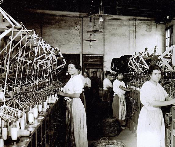 Llei que proiveix el treball nocturn de les dones