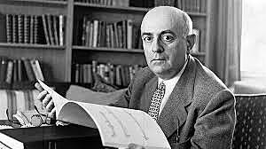 Theodor W. Adorno (Frankfurt, 1903ko irailaren 11.an jaio zen Frankfurten, eta Visp udalerrian  (Suitza) hil zen 1969ko abuztuaren 6.an).