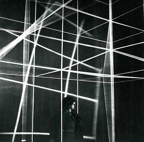 DE CAMPOS / DÉPLACEMENTS DU SPECTATEUR / Gianni Colombo, Spazio elastico, 1967-1968