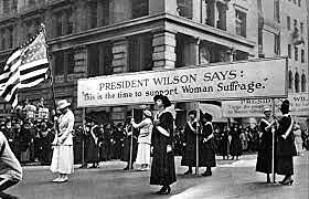 Woodrow Wilson supports women's voting