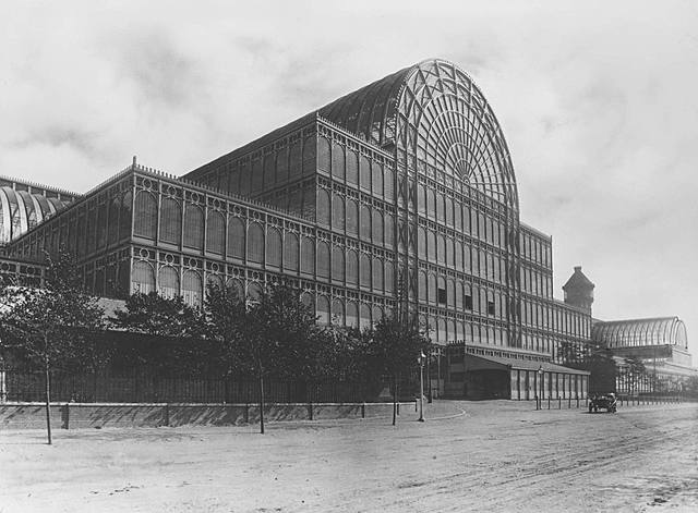 Crystal palace being built